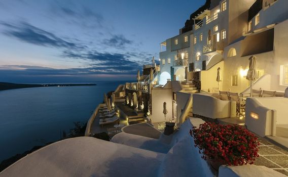 oia-the-must-see-traveller-attraction-in-santorini